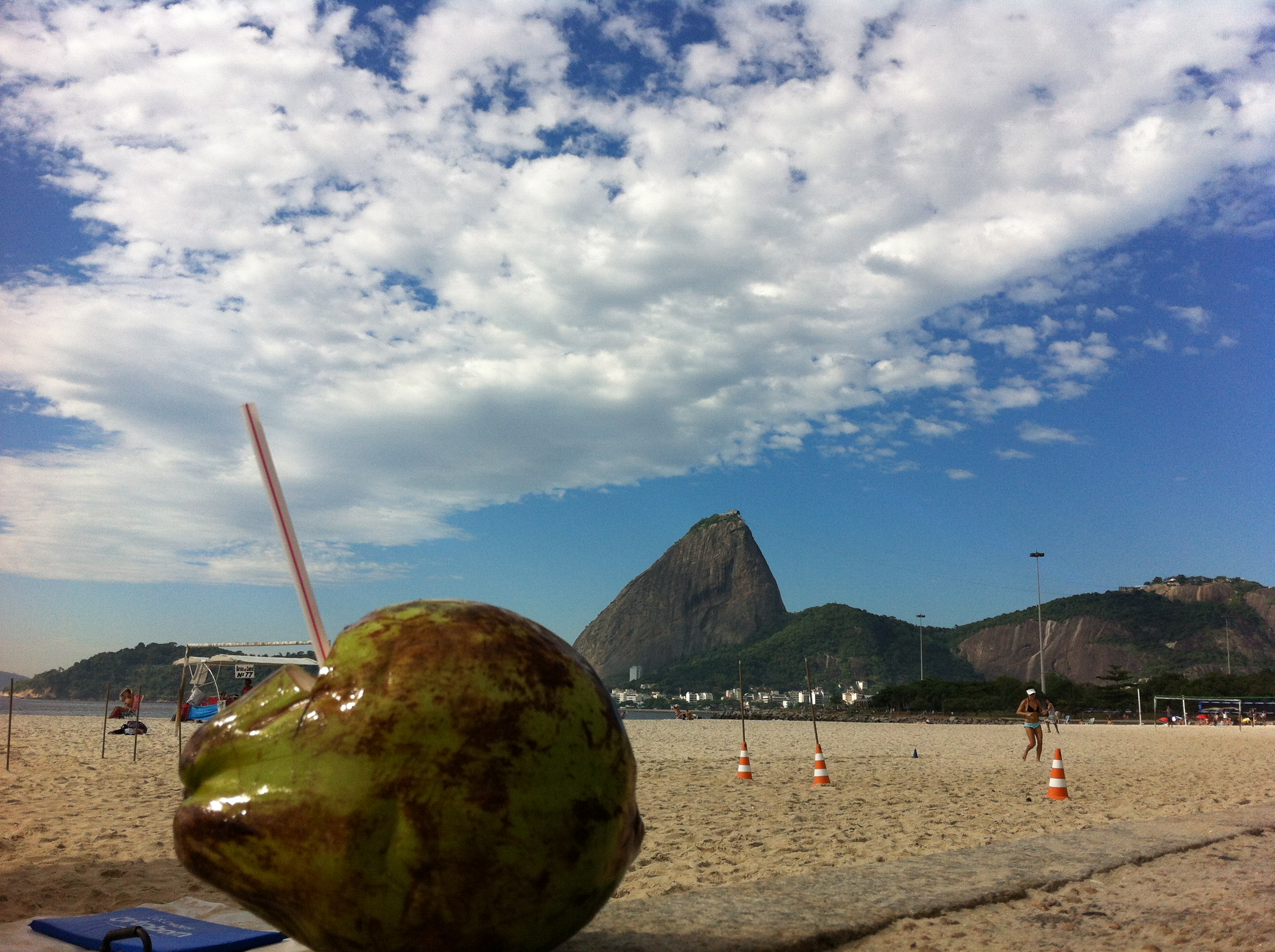 Agua de Coco with a view of Sugarloaf